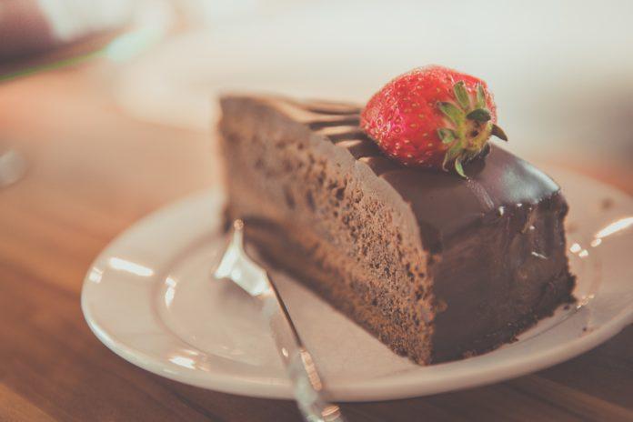 chocolate-cake-buttercream-recipe-nykdaily-arushisana
