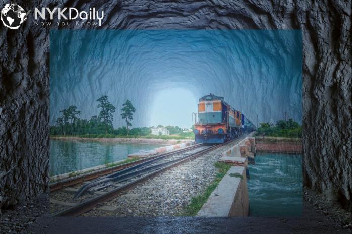 indian-railways-disinfectant-tunnel-nykdaily-arushisana