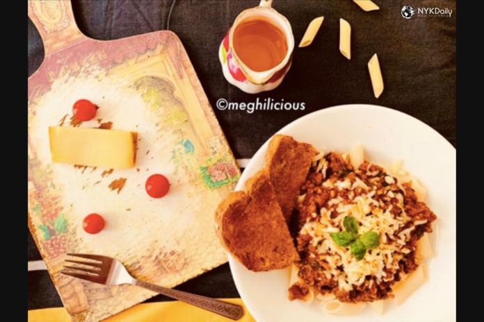 food-cuisine-penne-alla-bolognese-pasta-italian