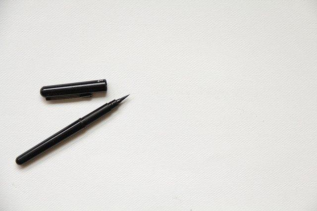 Sketching-sketching-pen-pencil-ballpen-paper-sketchbook