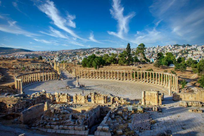 ancient roman forum in jordan